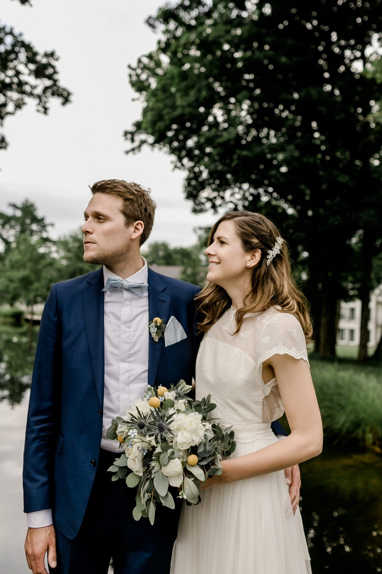 Brautpaar vor Landschaft